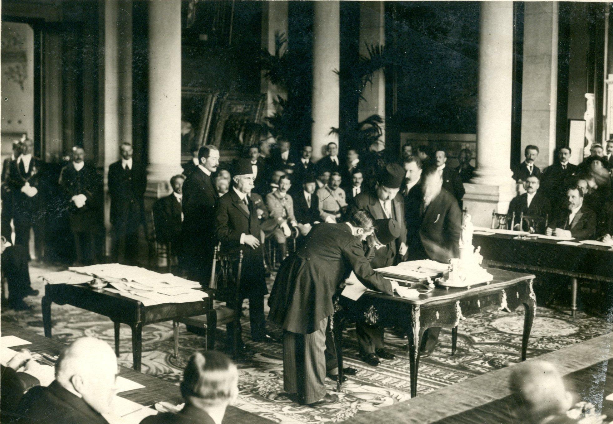«Turkey is no more!» – noch hundert Jahre nach seiner Unterzeichnung empfinden viele Türken den Friedensvertrag von Sèvres als epochale Demütigung. Gastbeitrag von Rasim Marz in der Neuen Zürcher Zeitung